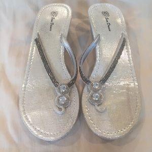 9/10 Sundance Silver sparkle wedge sandals